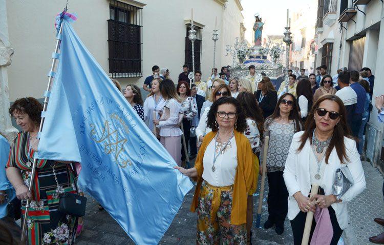 María Auxiliadora recorrió las calles de Santa María de la mano de las Salesianas (GALERÍA)