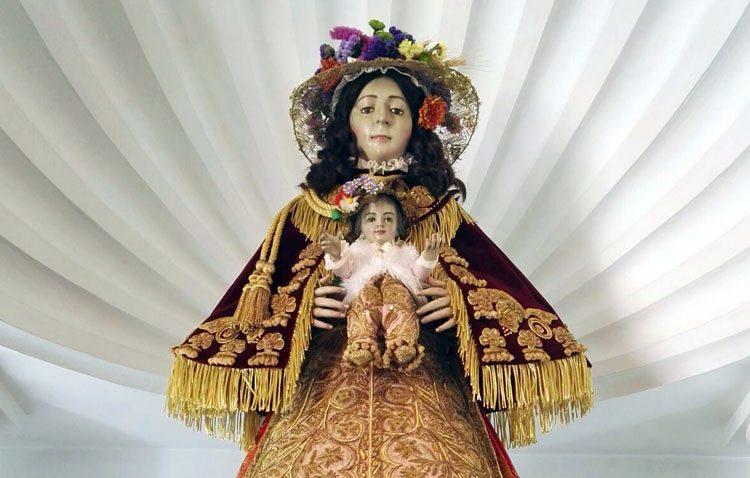 Un trabajo utrerano para la Virgen del Rocío de Arcos de la Frontera
