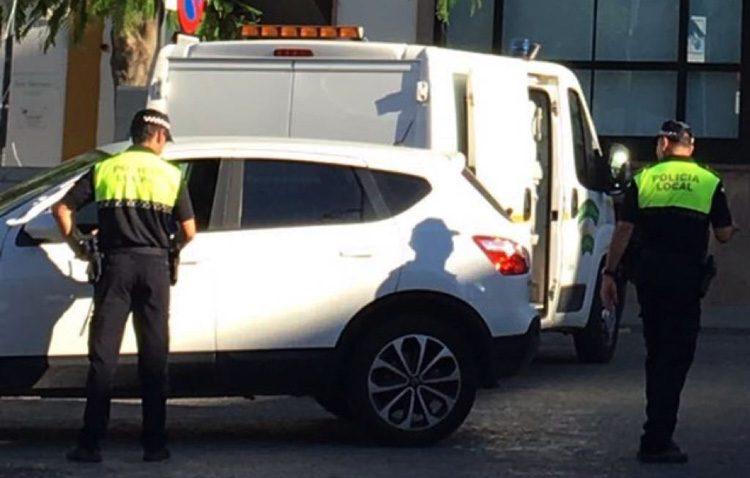 Retirados 22 coches abandonados en las calles de Utrera