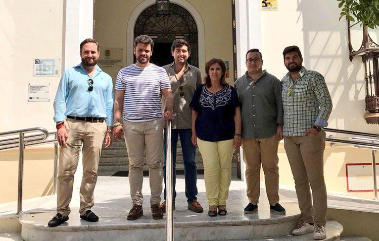 Nuevas Generaciones del PP reclaman al gobierno local la ampliación del horario de la biblioteca municipal