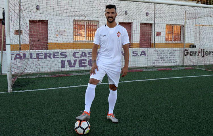 Enrique Carreño, jugador del C.D. Utrera, sancionado con cuatro partidos de suspensión