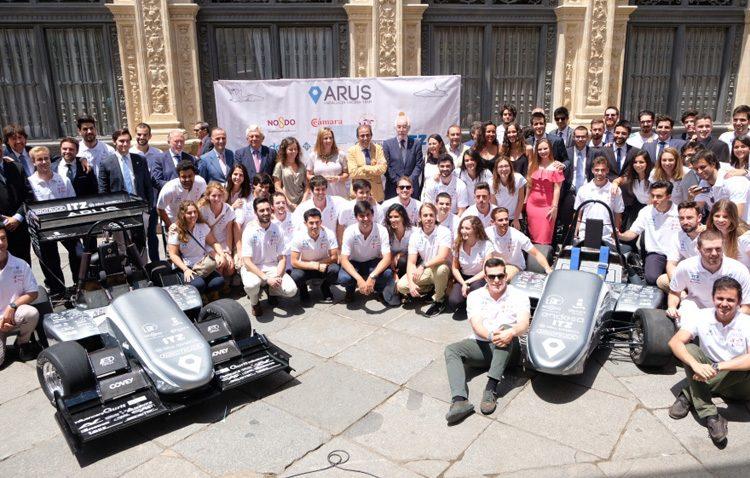 Los coches de carrera construidos por tres utreranos comienzan su competición en Europa