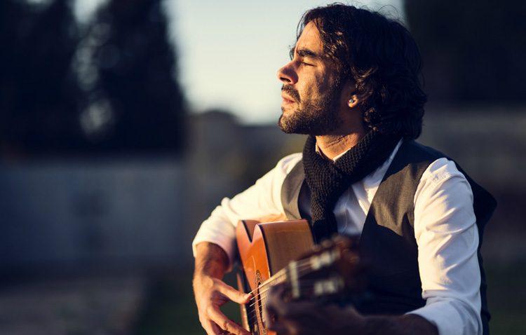 Sonidos de guitarra flamenca para cerrar el ciclo «Noches de julio»