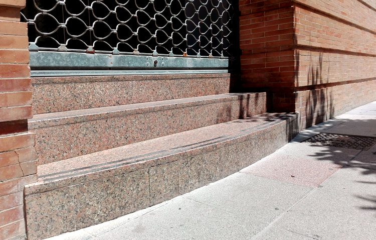 Utrera reclama la eliminación de las barreras arquitectónicas en los juzgados