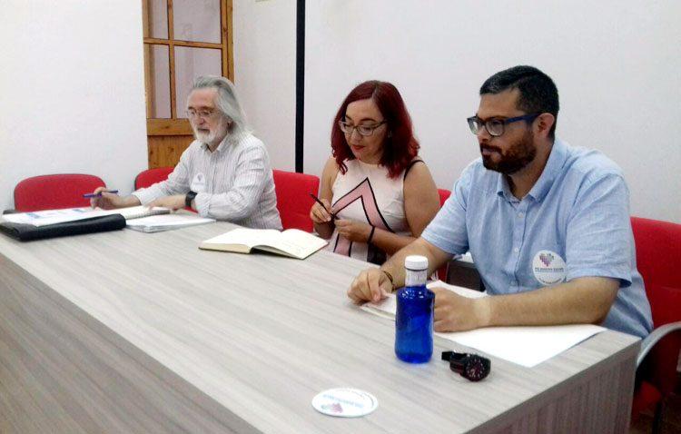 Una «estimulante» charla por la defensa de la salud pública organizada por Podemos en Utrera