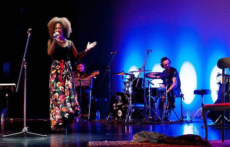 La cantaora Amparo Lagares llega en concierto al ciclo «Música en el patio»