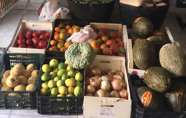 Multa de 3.000 euros para un vecino de Utrera por venta ambulante ilegal de fruta en reiteradas ocasiones