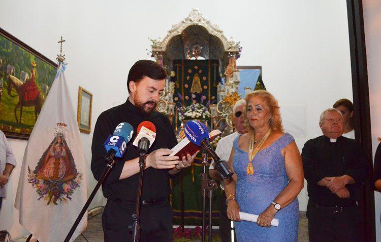 La casa-hermandad del Rocío inaugura su primera fase con la bendición de la capilla para la carreta