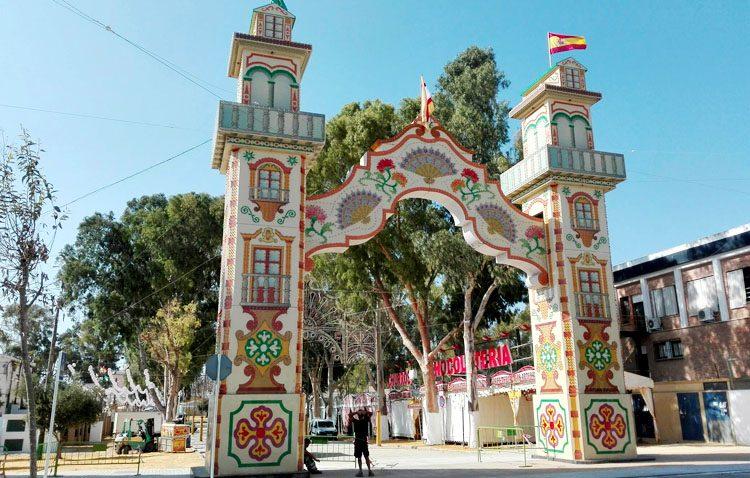 Días de diversión y de encuentro con la patrona de Utrera esperan tras el inicio de la Feria de Consolación