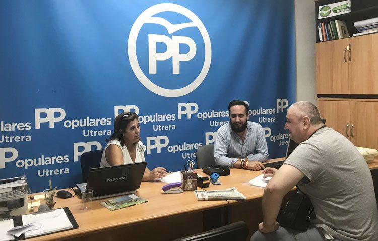 El PP mantiene una reunión con la asociación de víctimas del paro con la que abordar propuestas de cara a los presupuestos