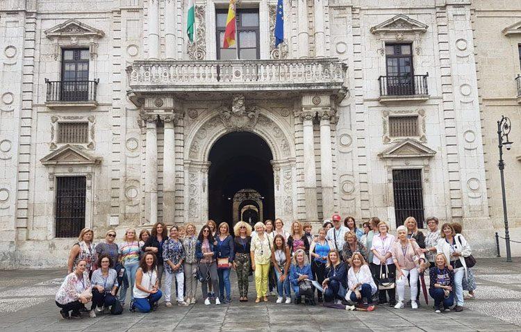 La asociación «Amigas del Casino» inicia un ciclo de excursiones a Sevilla y Utrera