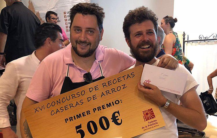 El utrerano Sixto Fernández, triunfador del concurso provincial de recetas de arroz