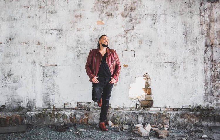 «Otra dirección», el adelanto musical del sexto disco del cantante Fernando Caro (VÍDEO)