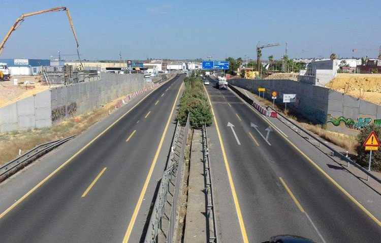 Las obras en la A-392 obligan a desviar el tráfico de Utrera hacia Alcalá de Guadaíra