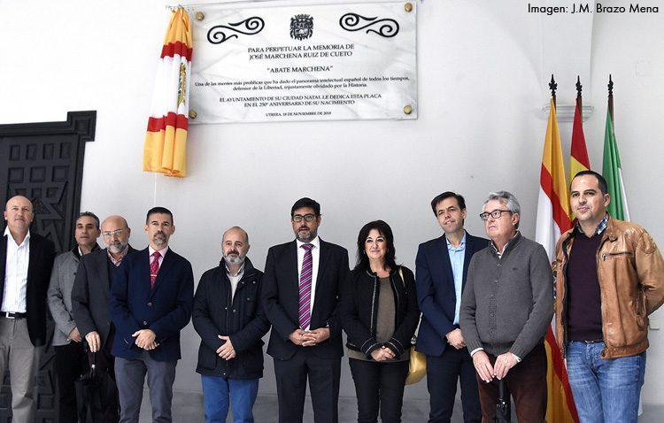 Utrera descubre una placa en el ayuntamiento para celebrar el 250º aniversario del nacimiento del Abate Marchena