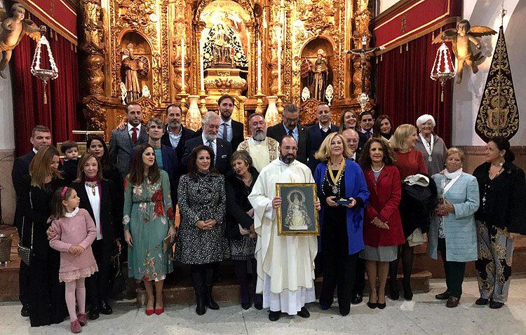 Los utreranos que viven en Ceuta regalan a la Virgen de África una réplica del barquito de Consolación (IMÁGENES)