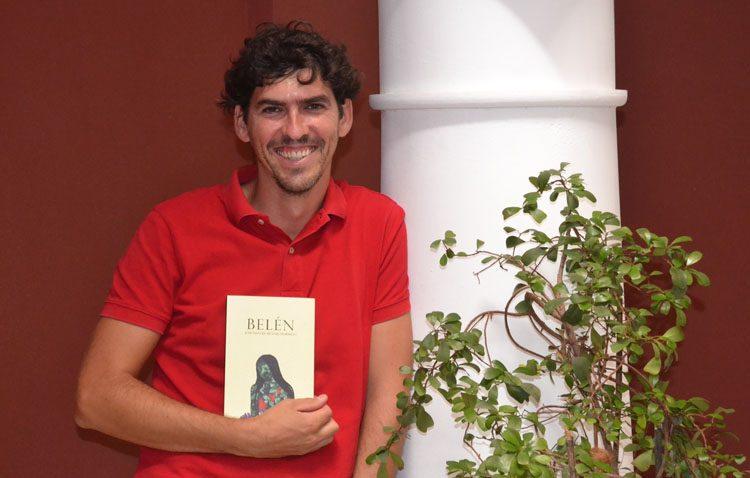 El escritor José Manuel Begines Hormigo presenta en Utrera su novela «Belén»