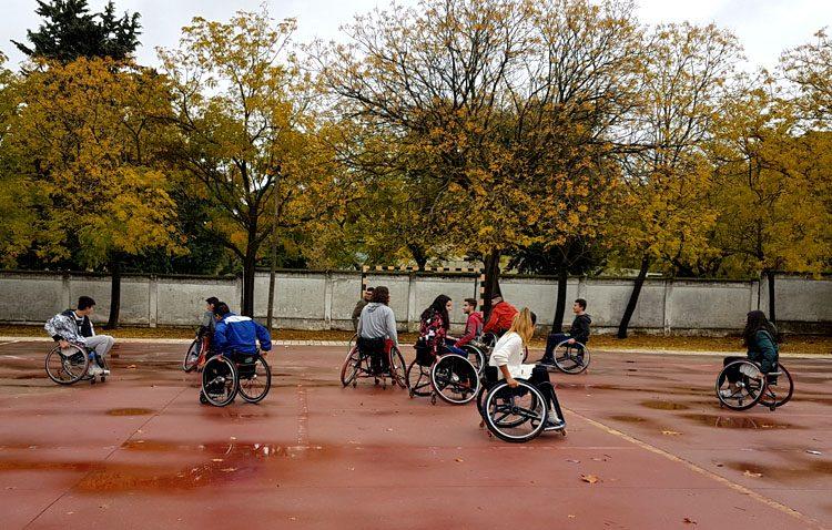Apdis organiza un programa de sensibilización y deporte inclusivo en centros escolares de Utrera