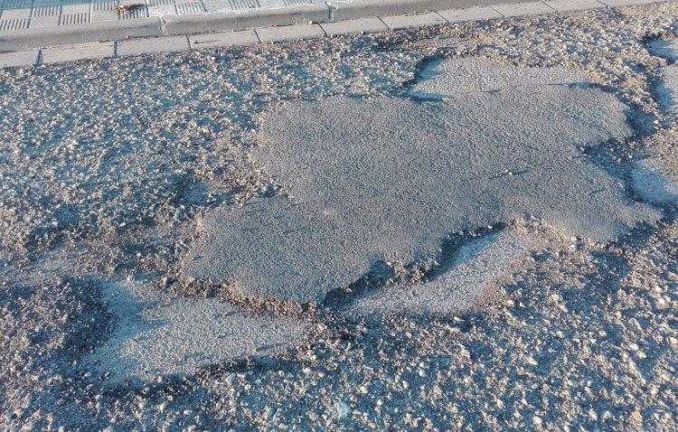 Siete meses de un asfalto prometido que no llega