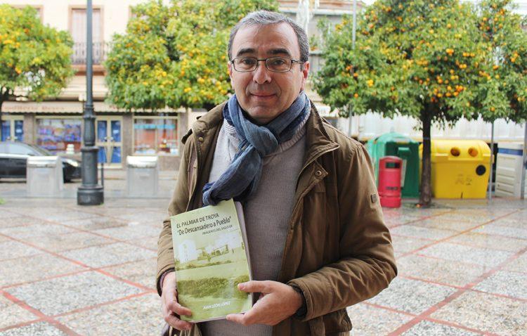 Un libro que propone un apasionante recorrido histórico por El Palmar de Troya