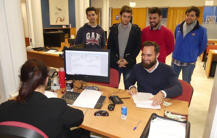 El proyecto del PP de un reglamento para el centro de estudios de Olivareros logra la unanimidad del pleno municipal