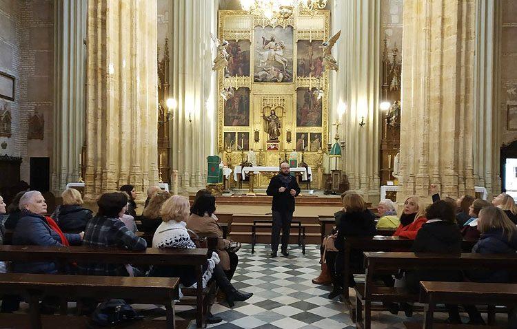 Un acercamiento de «Amigas del Casino» a la historia de la parroquia de Santiago