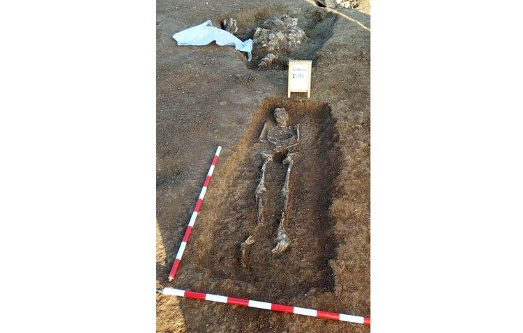 Agreden al guarda del yacimiento romano de El Torbiscal y saquean una quincena de tumbas