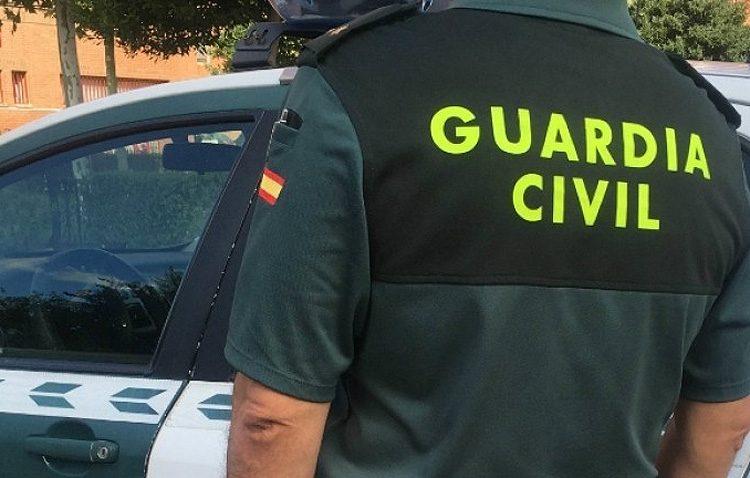 Detenidos por amenazar con cortar con una motosierra las piernas a su jefe para cobrar 200 euros de su sueldo