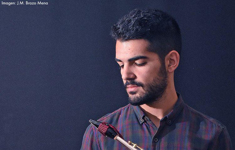 El Espacio Turina de Sevilla acoge un concierto del saxofonista utrerano Manu Brazo con la Orquesta Bética de Cámara