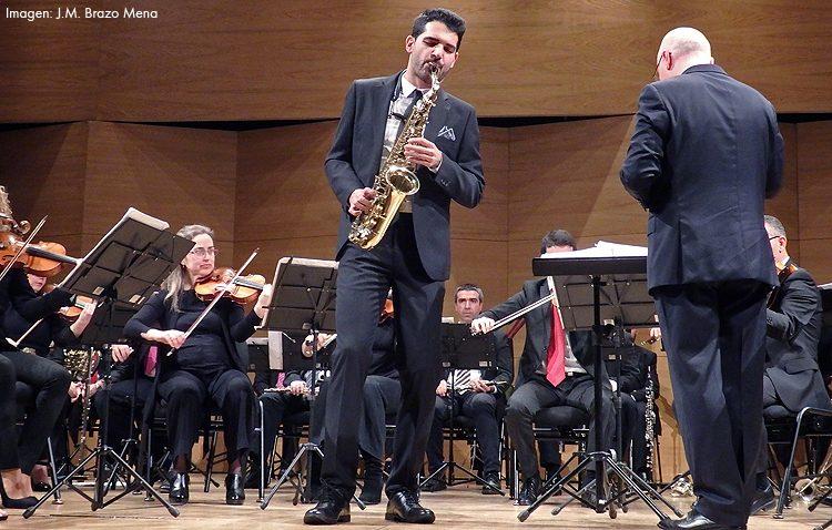 Brillante concierto del saxofonista utrerano Manu Brazo con la Orquesta Bética de Cámara