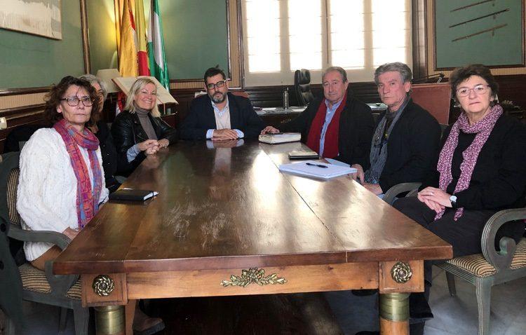 El Ayuntamiento asumirá las actuaciones de memoria histórica comprometidas en Utrera por la Junta de Andalucía