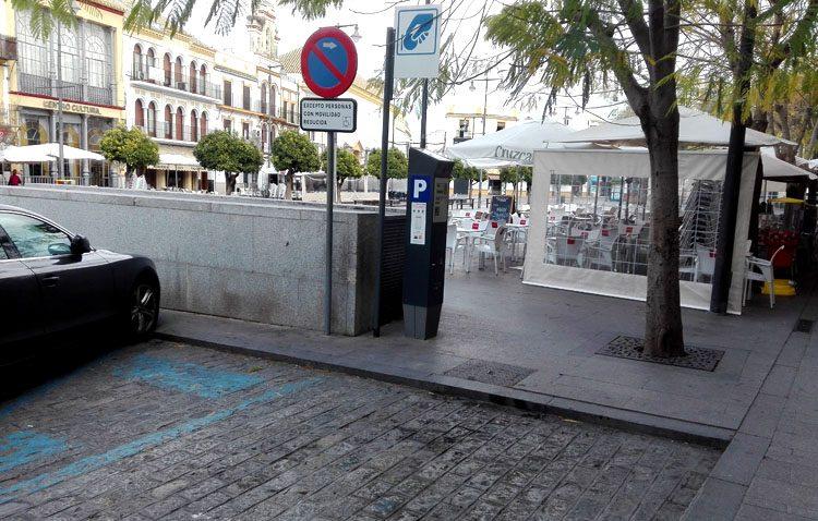 El dinero de las multas por aparcar en plazas de movilidad reducida se destinará a accesibilidad y discapacidad