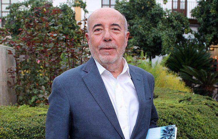 El notario Pepe Montoro ocupará el puesto número 3 en la candidatura del PSOE a la alcaldía de Utrera
