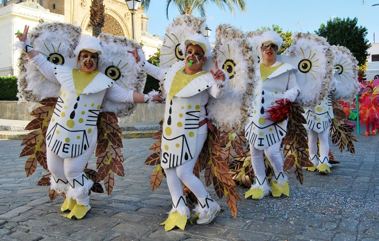 Utrera disfruta en la calle de su carnaval (IMÁGENES)