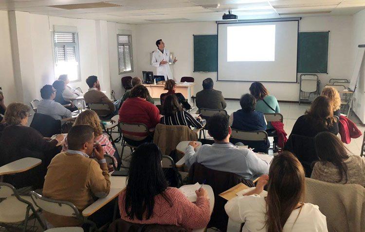 Médicos del centro de salud Utrera Sur participan en una jornada para mejorar el abordaje de las patologías perianales