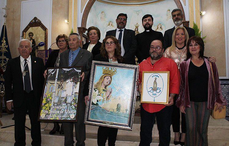 Varios actos, un cartel, un logotipo y una medalla para conmemorar las bodas de plata de la hermandad de Fátima