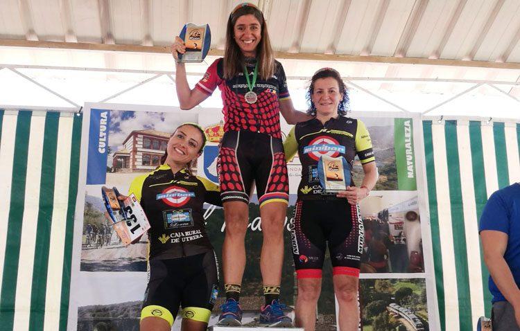La ciclista Ana Belén Gutiérrez, del equipo JIP Carbono Team, doble medalla de plata en pruebas provinciales