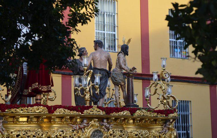 Tres convocatorias cofrades se dan cita cada Viernes Santo en Utrera