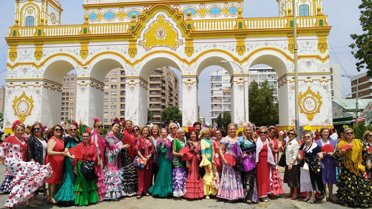 Las «Amigas del Casino» se marchan a la feria de Sevilla