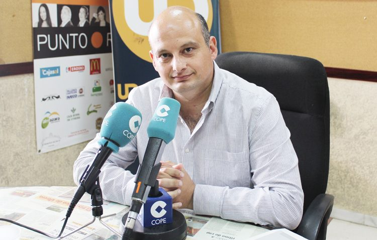 IU defiende en COPE Utrera (98.1 FM) su gestión de gobierno como aval ante estas elecciones municipales (AUDIO)