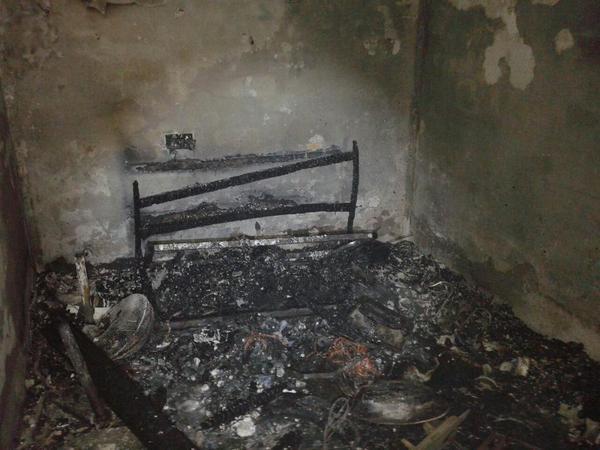 Dos mujeres heridas con quemaduras en un incendio de vivienda