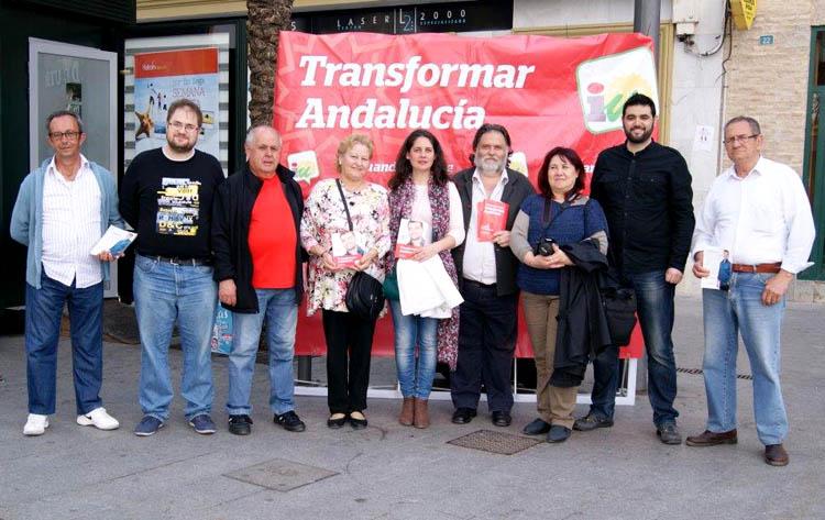 IU hace campaña en la plaza del Altozano con motivo de las elecciones autonómicas