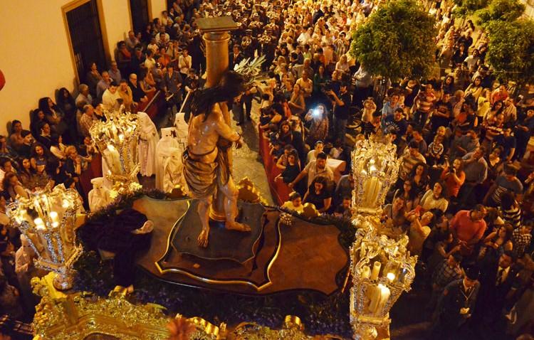 El color blanco de los Aceituneros inundará este Miércoles Santo las calles de Utrera
