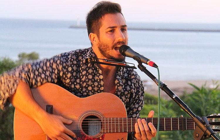 Nuevo trabajo musical del cantautor utrerano Adam Guerrero