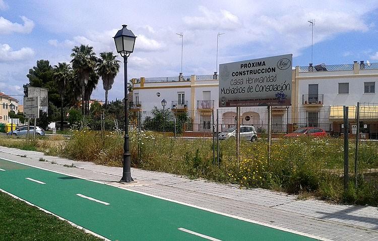 El pleno municipal desbloquea la construcción de las casas-hermandad del Rocío y Muchachos de Consolación