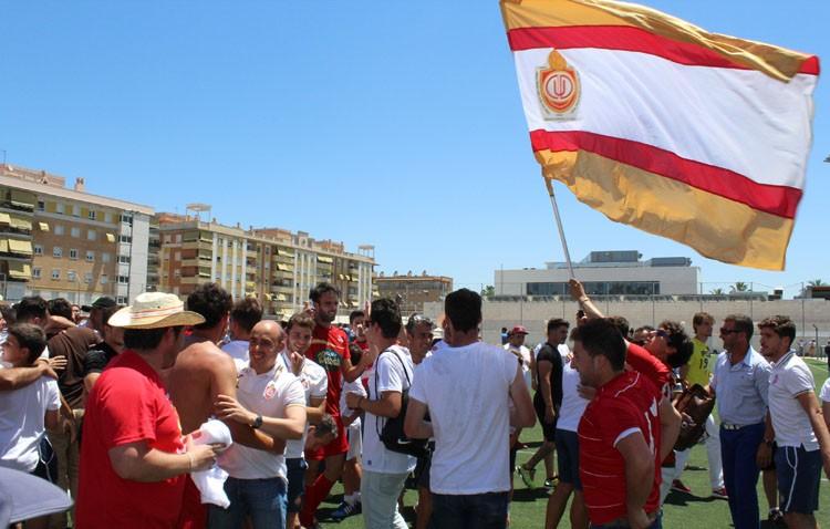 El Club Deportivo Utrera recibe el reconocimiento de la corporación municipal