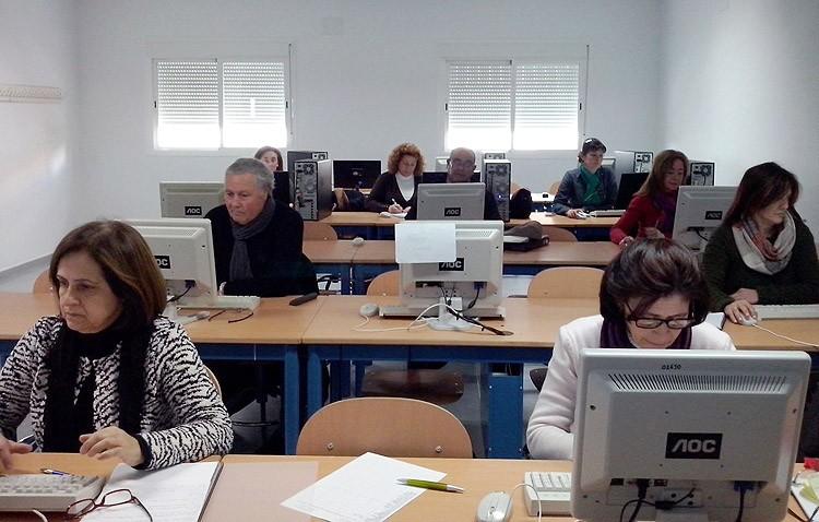 El Centro de Adultos abre el plazo de matriculación de plazas vacantes