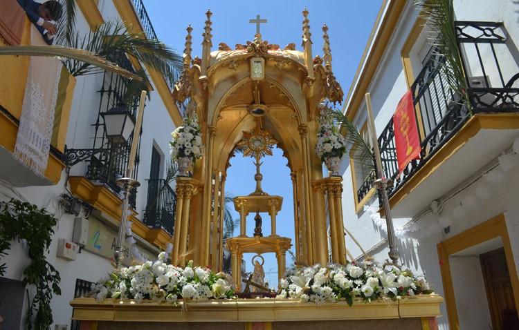 San José inaugura el ciclo de procesiones eucarísticas