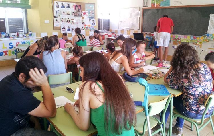 Aldaba invierte casi 20.000 euros en mejorar socialmente la barriada La Paz