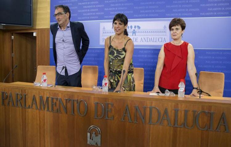 Podemos invita a los demás grupos del Parlamento andaluz a donar las asignaciones por dietas que se cobran en agosto
